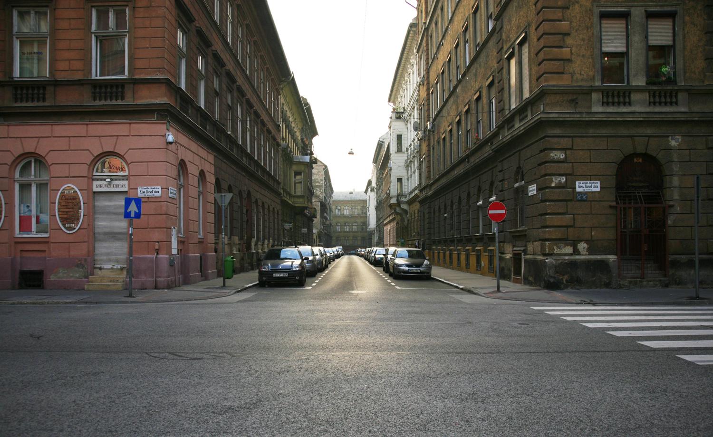图6_佩斯的街道