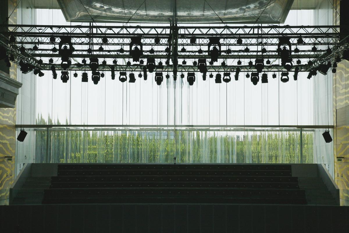 图8_casa de mucia-glass wall