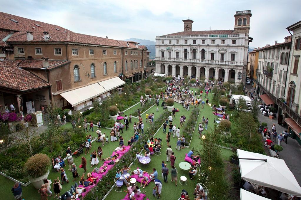 图1_Bergamo green square_2011
