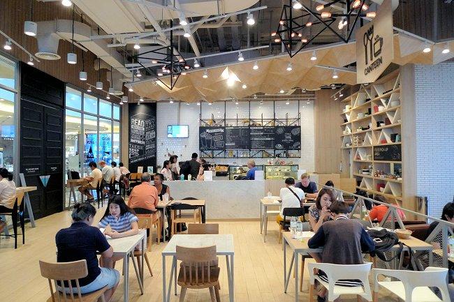 图5_清迈购物中心里的办公空间camp